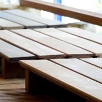 Holz-Terrassen